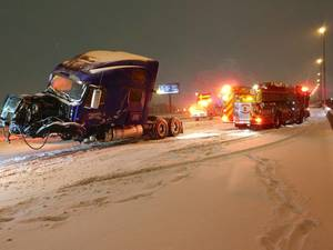 Carousel image 8376ebfb12e05fddc16c edit 2 2021 feb 1 jackknifed tractor trailer during snowstorm use