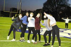 Carousel image b079d06886fb610d9a9f edit girls group shot