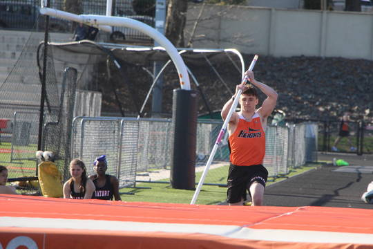 Top story 4ba29c6436d6f33de153 edit j dammann pole vault file