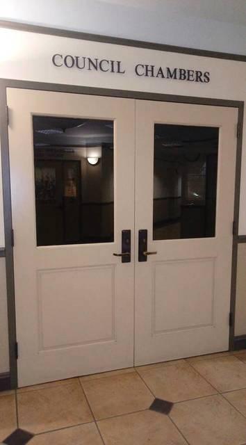 Top story 53313b77d1e82a5025be edit hh council chambers doors