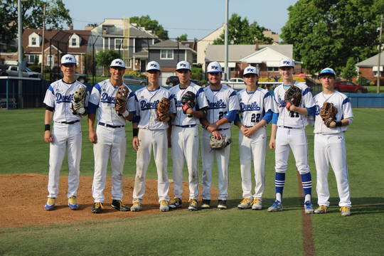Top story 7b213d40aebeac0b437b edit seniors come off the field together in the top of the inning