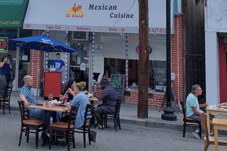 ElGallo-outdoor-seating.JPG
