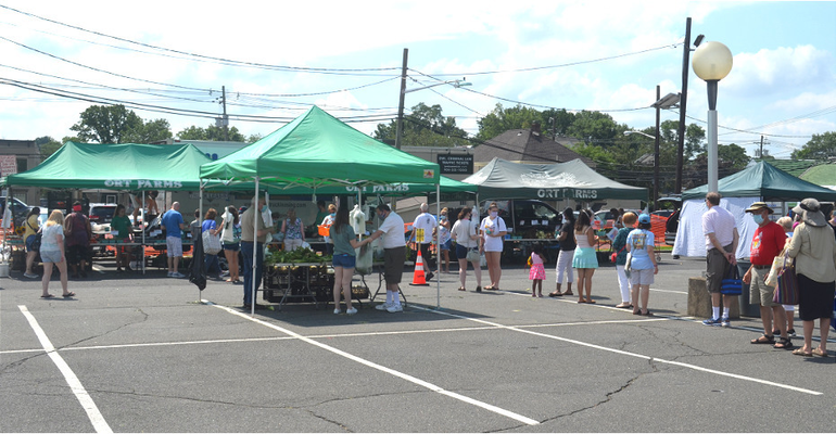 Farmers Market - Line at Ort Farms.png