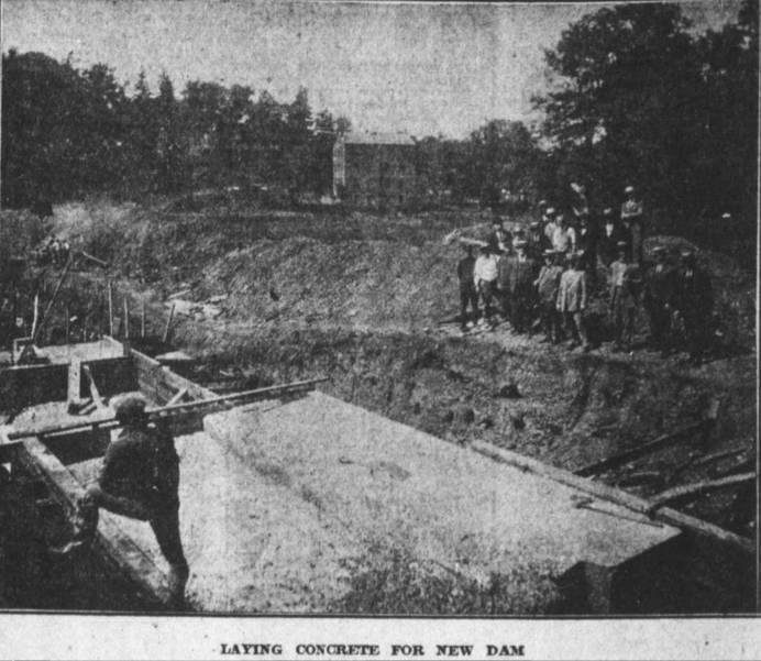Farrington Lake Dam Construction, 1926.jpg