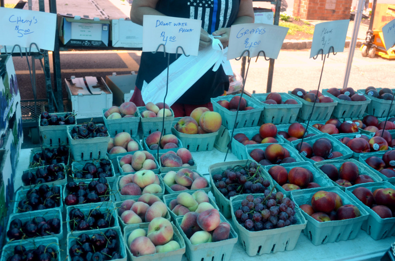 Farmers Market - Peaches and Grapes.png