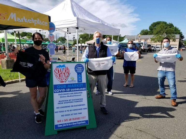 Township officials make another push for 2020 Census participation at the Scotch Plains Farmers Market.