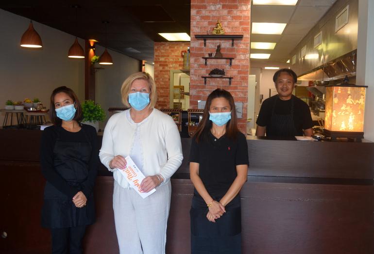 Fanwood Mayor Colleen Mahr welcomes Tasty Thai.png
