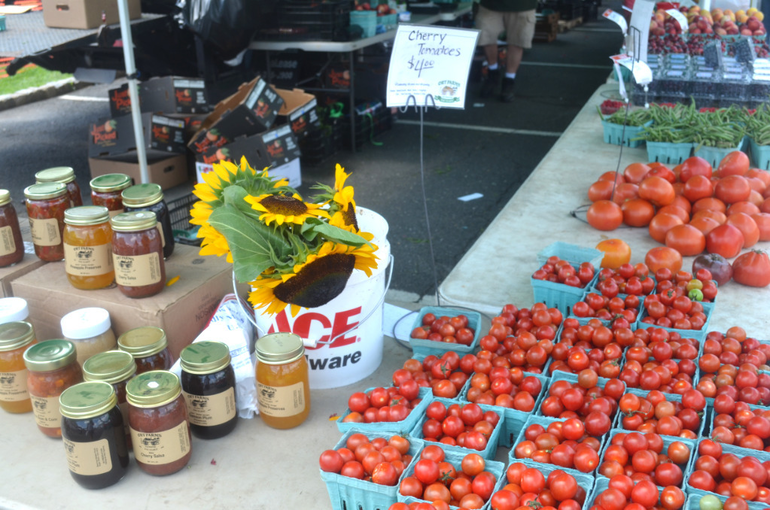 Farmers Market - Ort Jam, Sunflower, Cherry Tomatoes.png