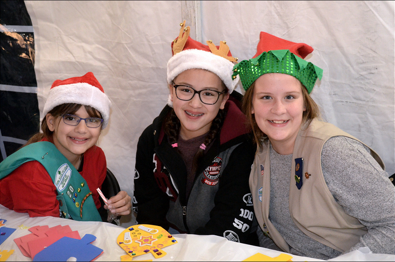 Fanwood Tree 2019 Girl Scouts.png