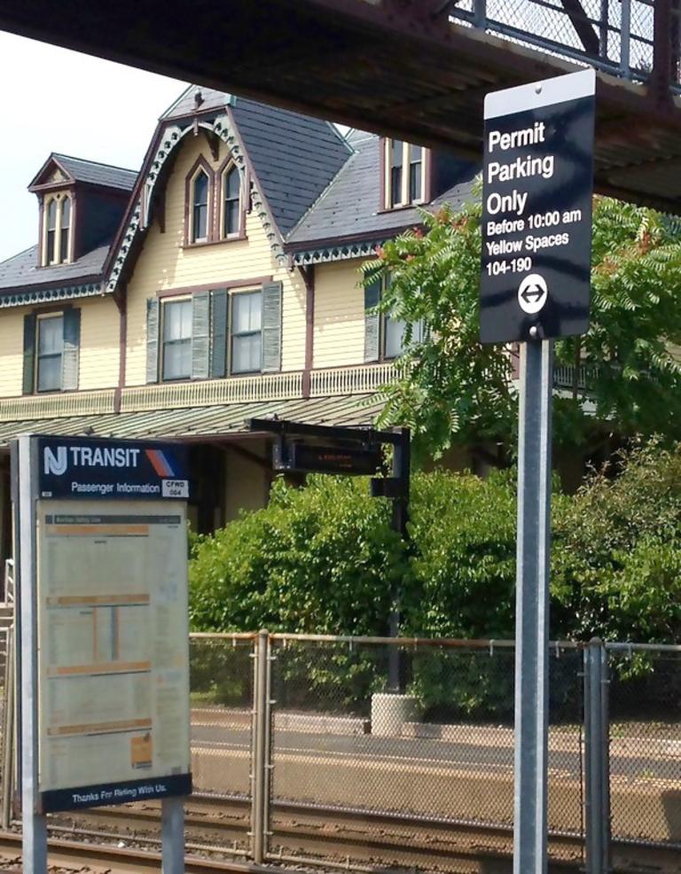 Fanwood Train Station Parking Sign.png