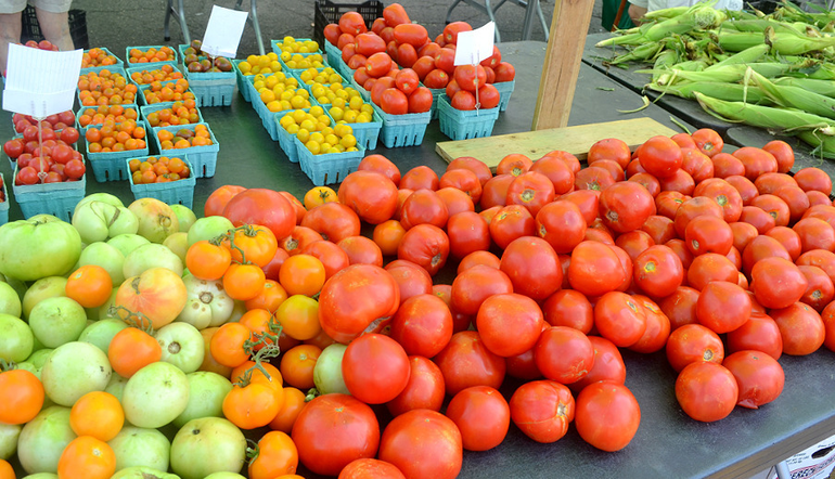Farmers Market - Tomatoes and corn.png