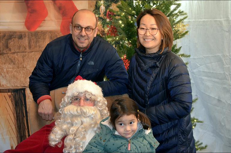 Fanwood Tree 2019 Santa and Family.png