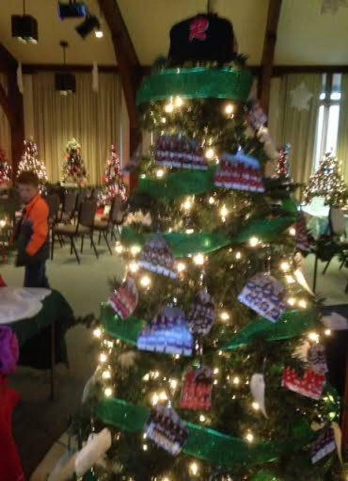 A baseball-themed holiday tree