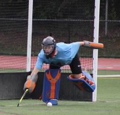 Carousel image 3f72ea6de4dc9c97408f field hockey goalie
