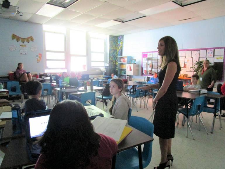 FLVV=classroom 1.JPG