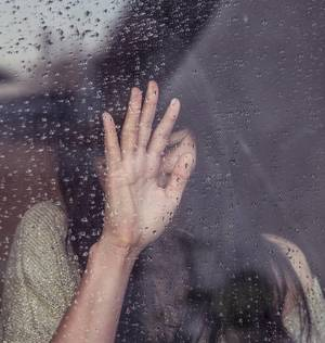 Carousel image 702f8d2b57e098e631d8 flooding sad girl 690327 1920