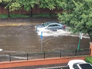 Carousel image 78547d3f0b2d6bf12d45 flood 1