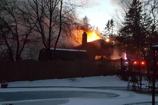Top story 19c550e909120bc3d43b flames1