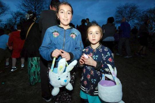 Top story b18410cfb218d5dbb6b6 flashlight egg hunt 2019 g