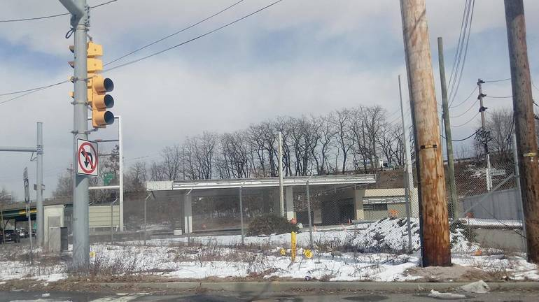Former Gas station at Route 17 North and Williams in March 2019.jpg