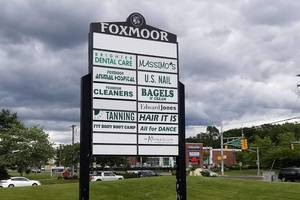 Carousel image 0dd3f42db8b36bda6ab1 foxmoor store sign