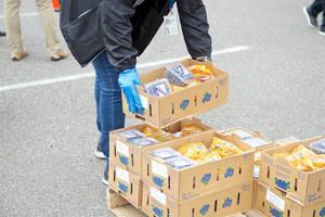 Carousel image e7515073e7b3744f022a food distrib