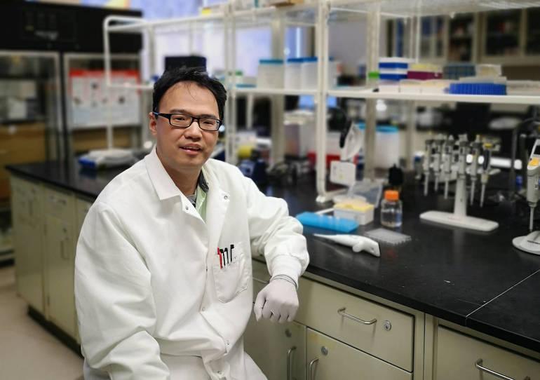 Fu, Jinglin in his lab April 2019_0.jpg