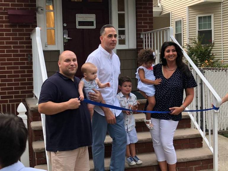 Milestones Academy Holds Ribbon Cutting Ceremony for New Bloomfield Location