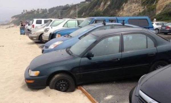 Top story 7373129683bc1ee5246c funny parking at the beach fail