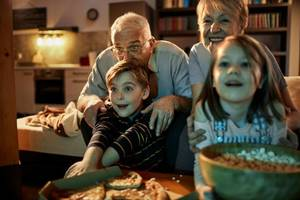 10 Easy Ways to Celebrate Grandparent's Day With Loved Ones