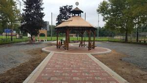 Carousel image 8081063051598fc60a83 gardner playground 03