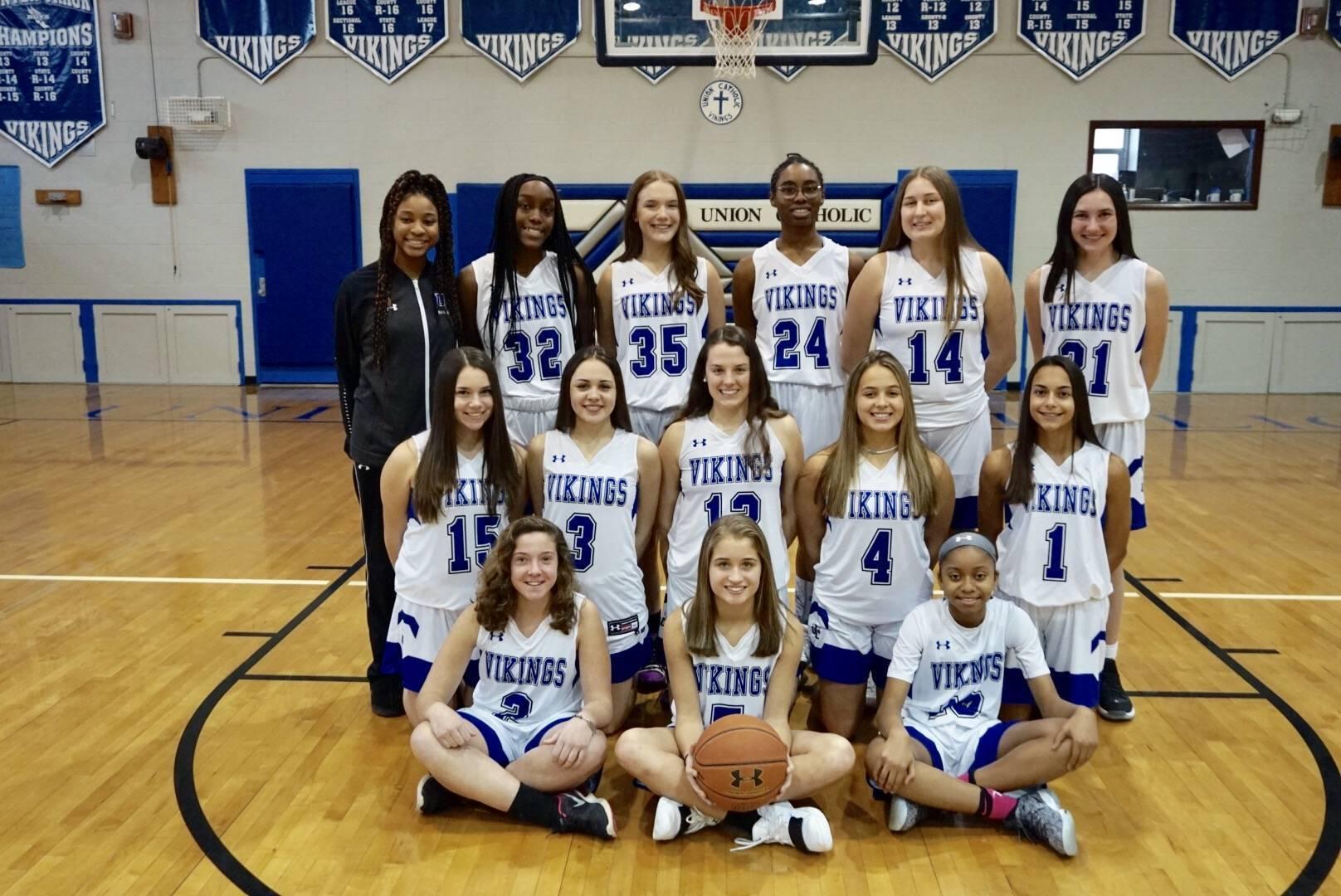 Girls basketball UC team photo 2019 correct one.jpg
