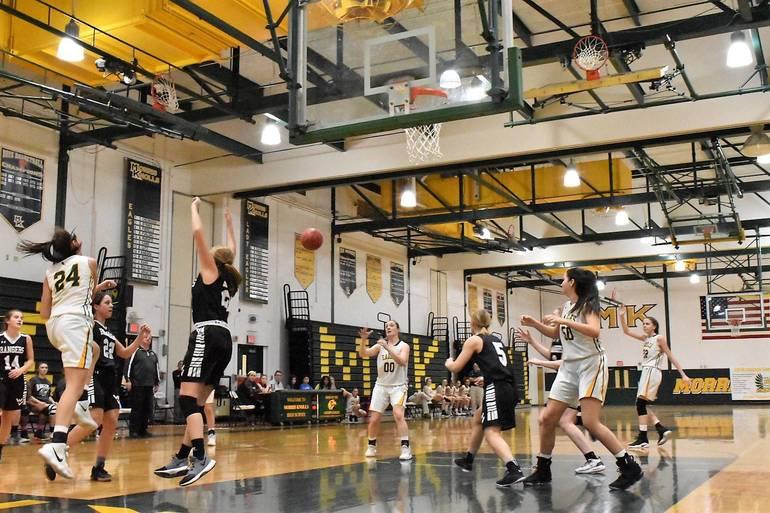 Girls Basketball 04.01182019.JPG