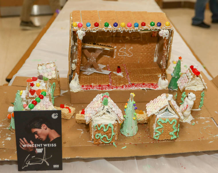 GingerbreadCompetition-181213-009.jpg