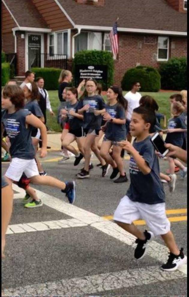 Girls run from Sue McGuire.JPG
