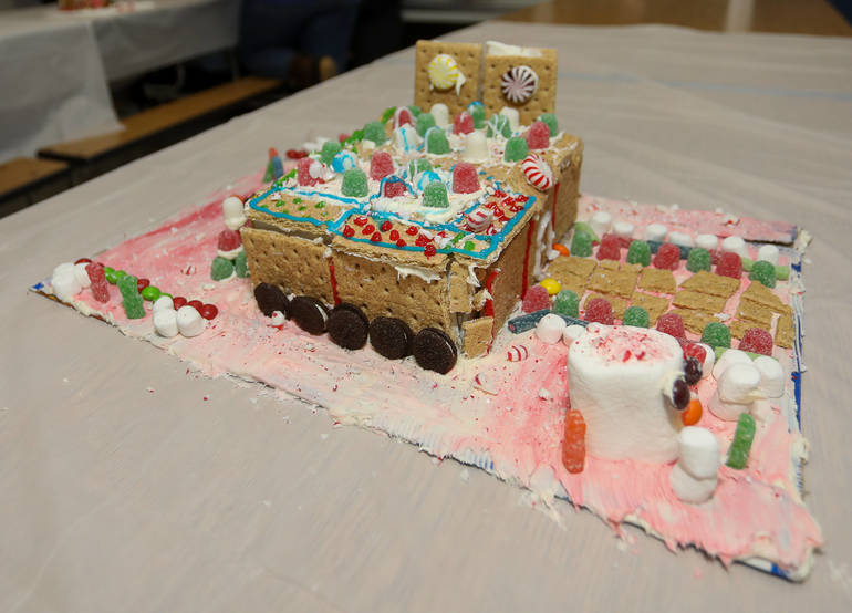 GingerbreadCompetition-181213-007.jpg