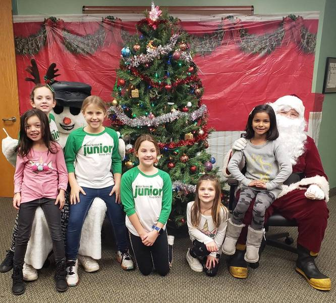 Girl Scout Juniors, Courtesy Montville Recreation Dept.jpg
