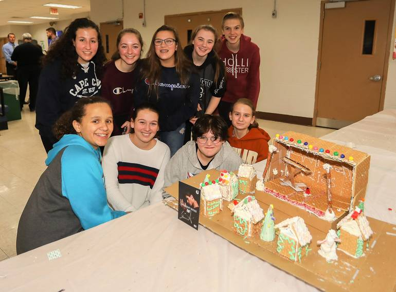 GingerbreadCompetition-181213-017.jpg