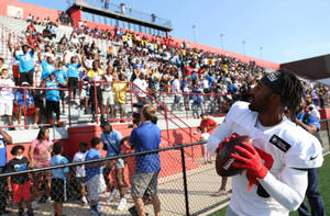 New York Giants Pay Visit to Newark Through NFL 'Back Together' Initiative