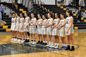 Carousel_image_43283a28d66790d9147a_girls_basketball_01.01192019