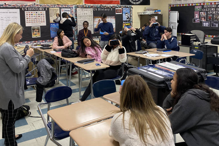 Gluck Narrates to class with Google Expeditions.jpg
