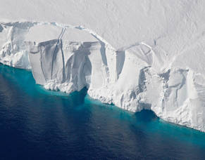 Carousel image e11fff761b1ea6a5c42e glacier