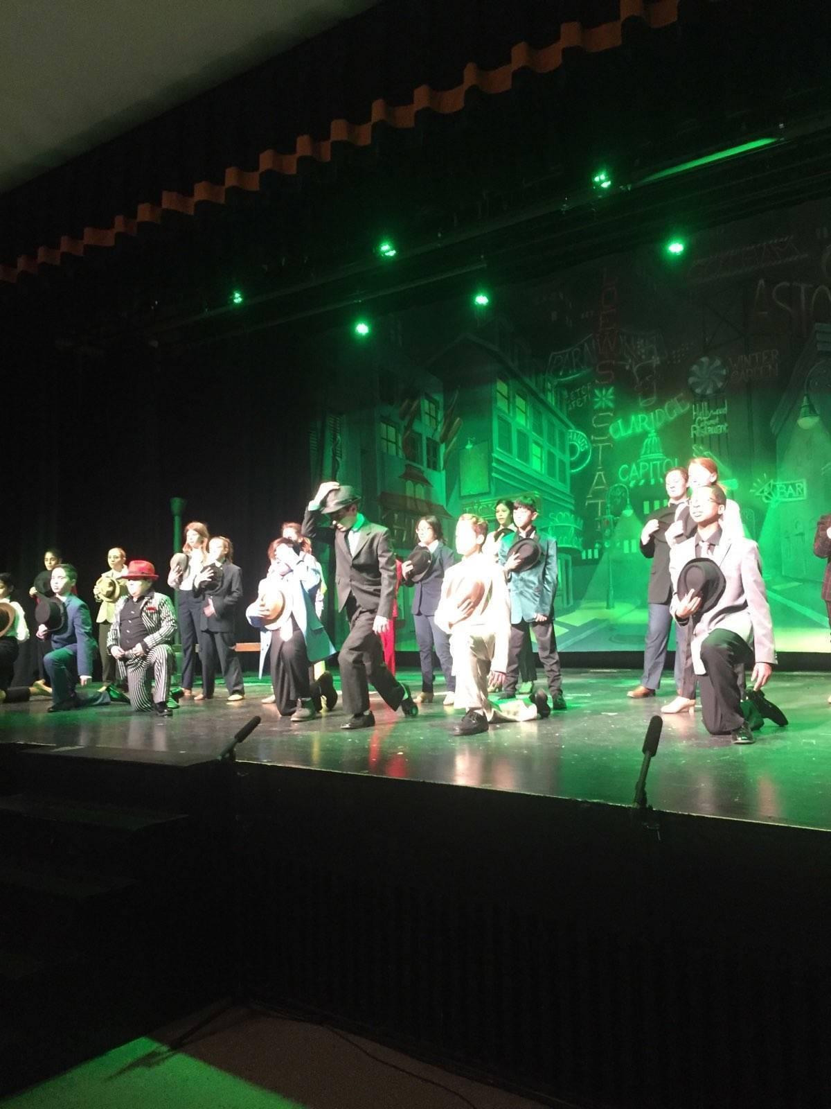 GND=dance scene.jpg