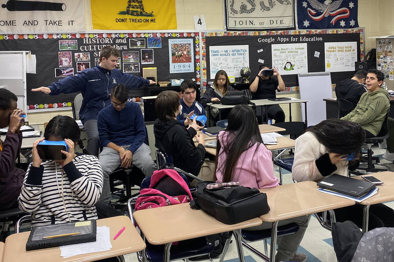 Google Expeditions in the Classroom.jpg
