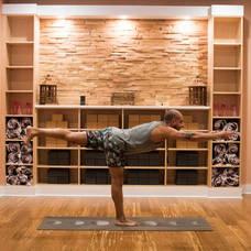 Carousel image 2f897e091e3a6c94a269 good vibes yoga pose