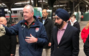 Carousel image 5389fc7d923426acfa2a governor murphy and mayor bhalla   image via ravi bhalla