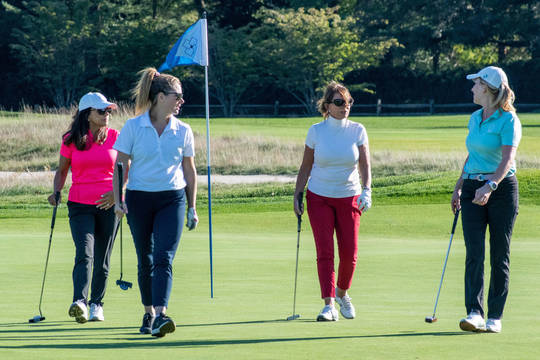 Top story be5c02cc9d3d2ae27e44 golfer girls