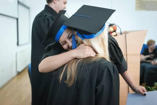Top story d3837b0f1a9dbe665197 graduation 2038864 1920
