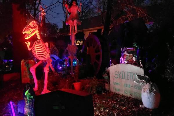 Succasunna Nj Pirate Ship House Halloween 2020 Annual Roxbury 'Halloween House' Display Axed for 2020 | TAPinto