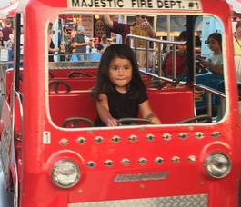 Carousel image 2874fc4e4bdf5b382001 hillspixday3firetruckcutekid